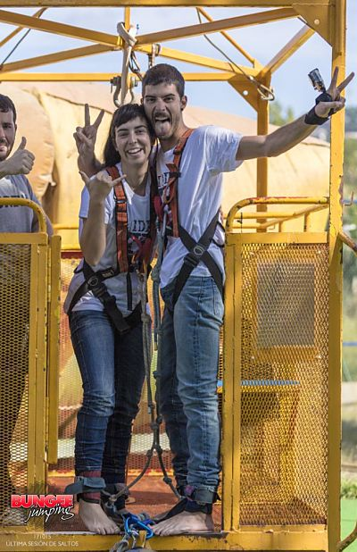 salto tandem bungee jump